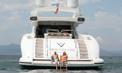 yachts-bottom-B-img03.jpg